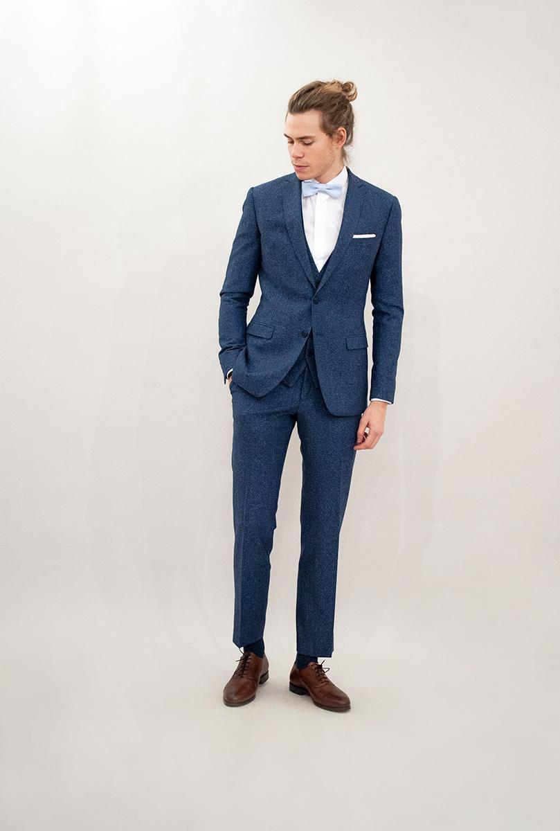 Costumes Beau. : Modèle Costume 3 pièces bleu gris en laine mouchetée