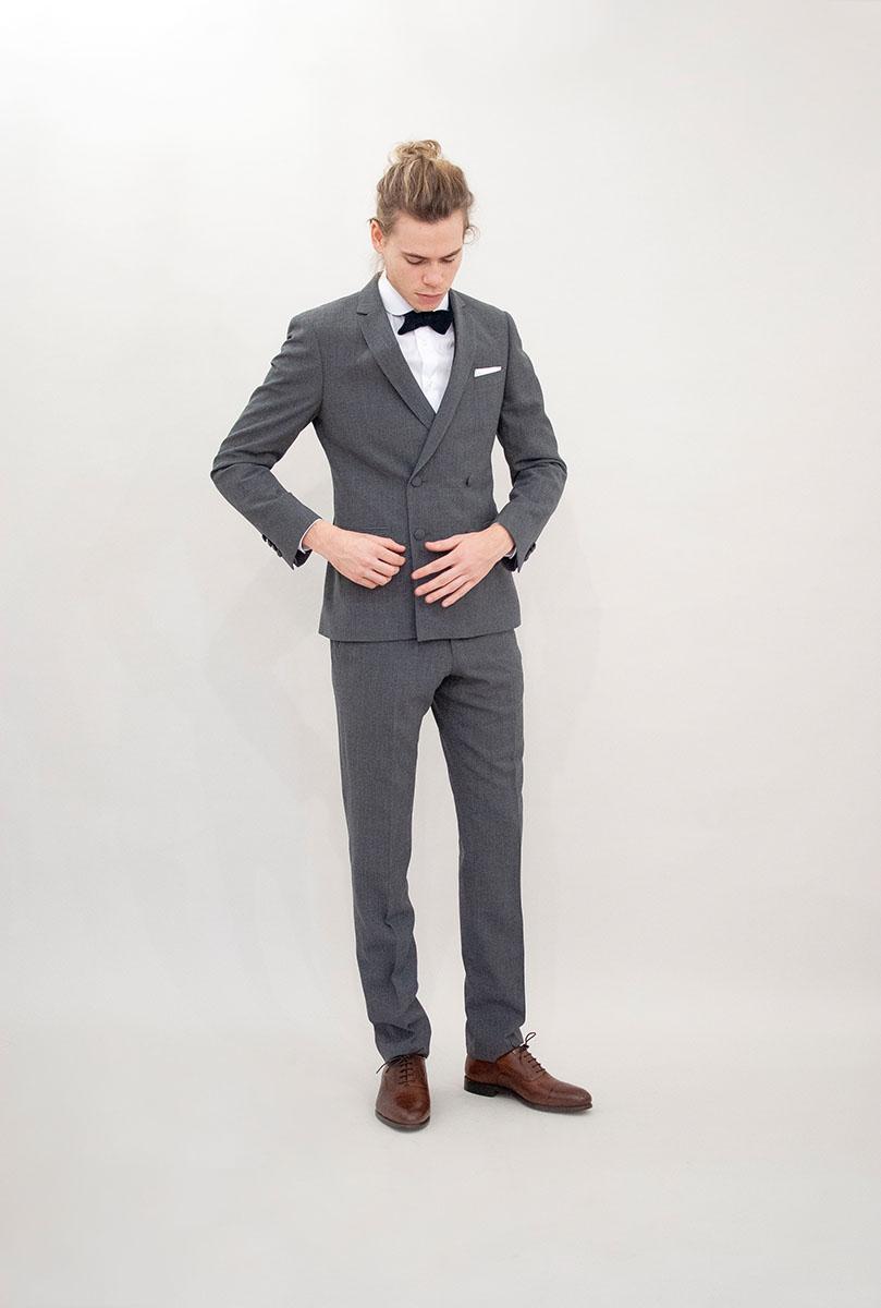 Costumes Beau. : Modèle Costume croisé gris en maille