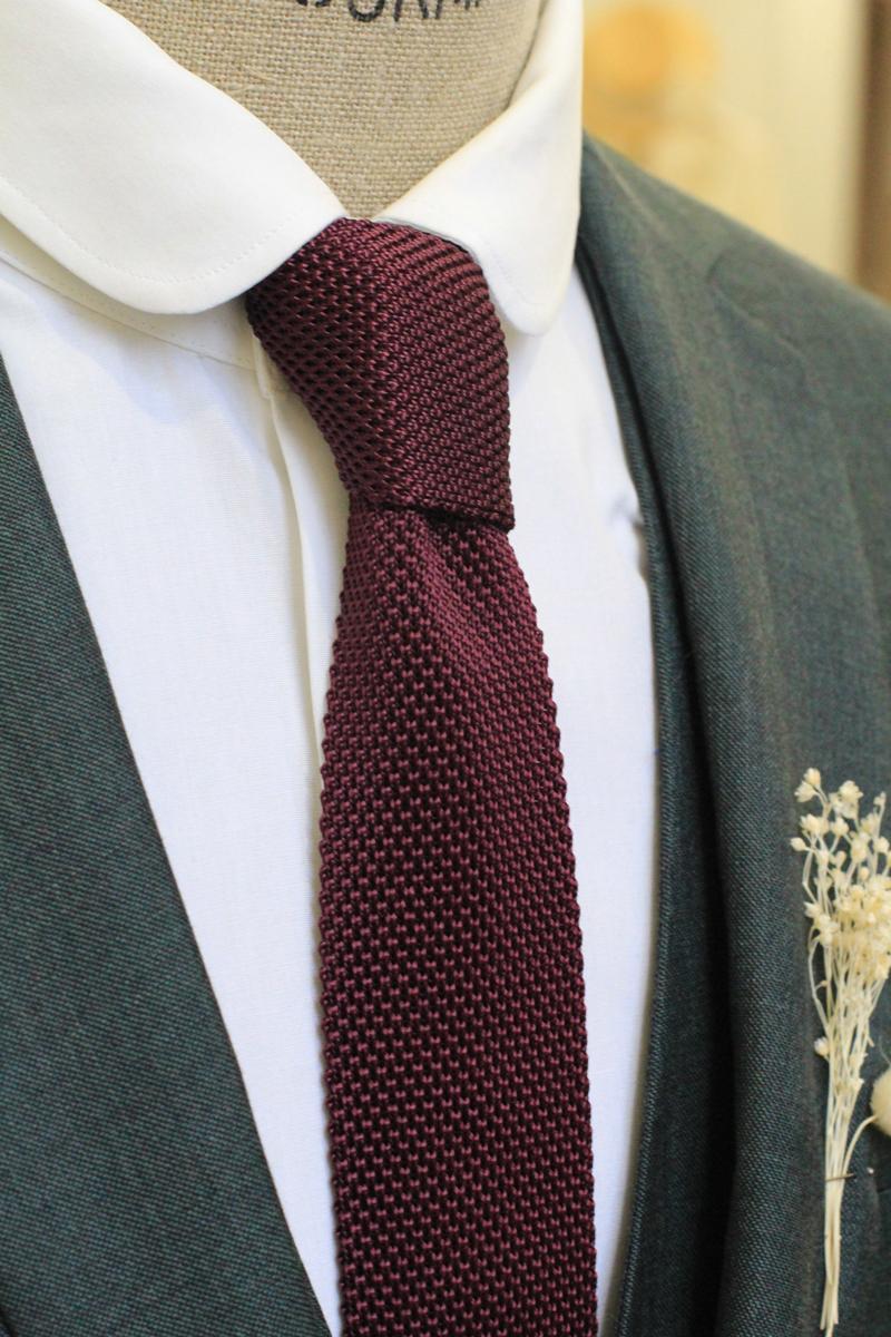 Pour Lui Beau. : Modèle Cravate bordeaux en tricot de soie